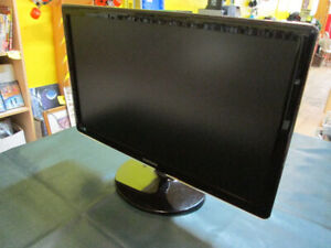 Samsung S27A350H 27-Inch Monitor For Sale at Nearly New!
