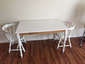 Small apartment size dining table
