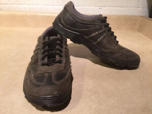 Dr. Martens Air Cushion Sole Shoes Men's Size 9, Women's Size 10 London Ontario image 6