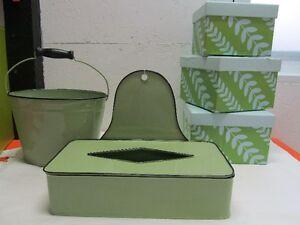 boîte à mouchoir, 3 boîtes vertes et un sceau