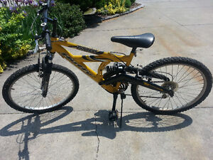 Huffy dual shock mountain bike Windsor Region Ontario image 2