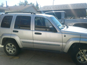 2007 jeep liberty 'trail rated' **PRICED TO SELL**