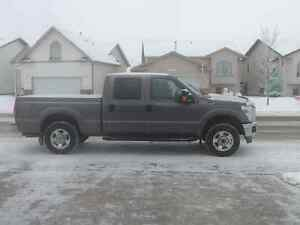 2012 Ford F-250 XLT Pickup Truck Very Low Km