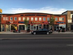 Retail1250 sq/ft, high traffic location, West