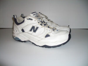 """"""" New Balance """" ----- runners --- size 9 US lady  / 40 EU"""