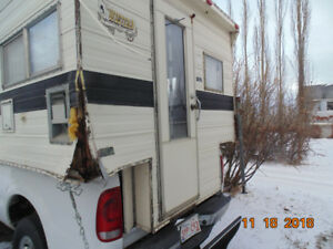 FREE REMOVAL:    TRUCK CAMPERS,   RVs,    MOBILE HOMES!!