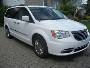 Chrysler Town & Country Touring L 2016