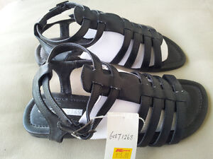GIRLS / LADIES / WOMENS BLACK SANDALS - NEW