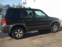2005 Ford Escape XLT SUV, Low Kms.. Must Sell!!