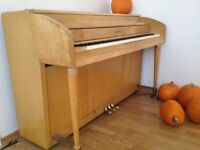 Piano (needs tuning)