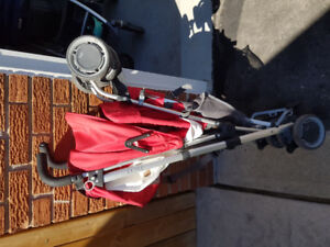 Red Uppababy G Luxe umbrella stroller EUC