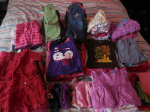 Lot de vêtements fille 12-18 mois