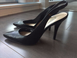 Guess Shoes - Size 6