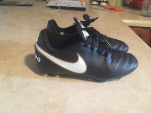 Boys size 1 soccer cleats