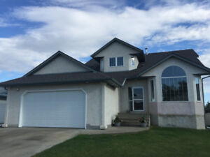 5 BDRM House for Rent in Morinville
