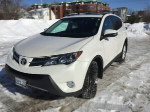 2014 Toyota RAV4 excellent condition, low kms, extended waranty
