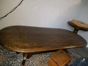 2 wonderful Mennonite hand crafted end tables