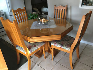Solid wood 7 piece Dinette set