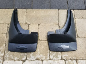 2010 Chevrolet avalanche mud flaps