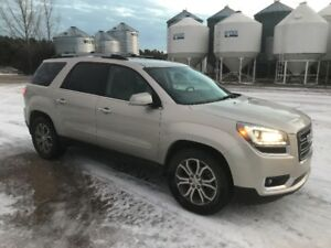 2013 GMC ACADIA VERY CLEAN AND WELL MAINTAINED