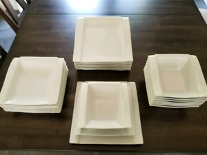 24 Piece Stokes White Porcelain Dish Set