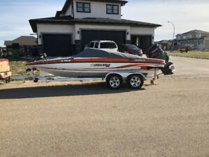 FOR SALE 2006 STRATOS 200 Fish & Ski Boat with 200 HP VMAX