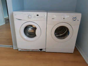 Compact washer + dryer set / Ensemble compact laveuse + sécheuse