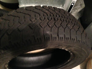 205 60 R15 (Set of 2 winter tires)