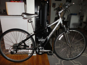 Hybrid Commuter 21 Speed With Adjustable Front Suspension!