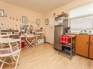 2 Bedroom Scarborough Unit - 5 Mins From Beach - $300/week Scarborough Stirling Area Preview