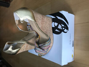 Brand new Nine West gold wedges - size 8