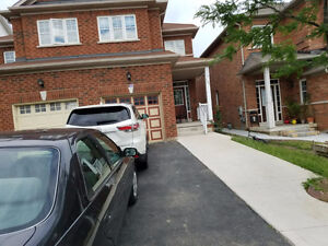 STUNNING BEAUTIFUL AND CLEAN HOUSE, GREAT LOCATION BRAMPTON!!!