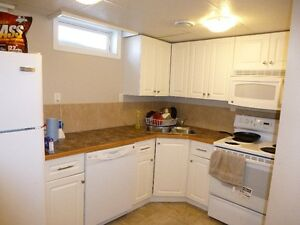 Executive 2 Bedroom Furnished Suite With All The Extras
