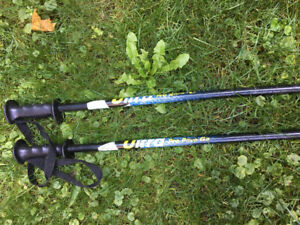 Ski poles 37 inches tall