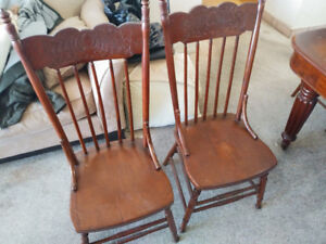 4 Antique Wood Dinning Chairs for Sale in Hamilton Estate Sale