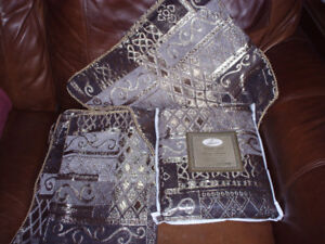 throw blanket & cushion covers**new in package