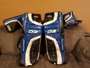Men's senior goalie equipment