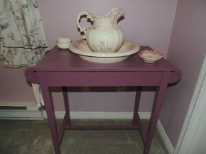 Table with porcelain wash basin