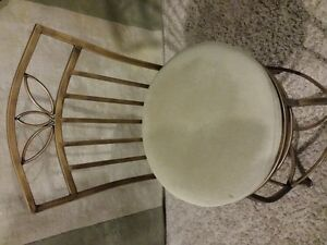 3 bar style chairs