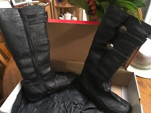 LEATHER BOOTS - BRAND NEW