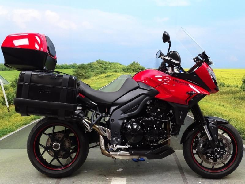 triumph tiger 1050 sport 2014 great condition givi boxes. Black Bedroom Furniture Sets. Home Design Ideas