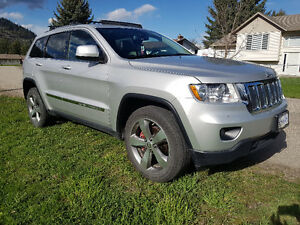 2012 Jeep Grand Cherokee with warranty! REDUCED.