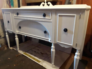 ANTIQUE WHITE BUFFET SIDEBOARD