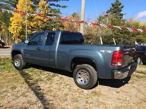 2010 GMC Sierra 1500 SL Nevada Edition Pickup Truck