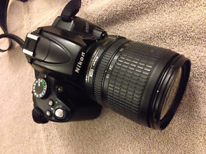 Nikon D5000 with camera case and 16gb memory card