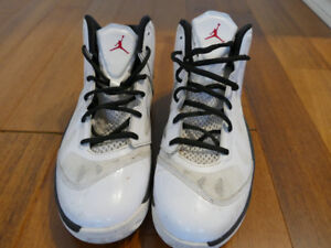 2012 Jordan Play In These Men's Sneakers in White/Red/Black Sz 9