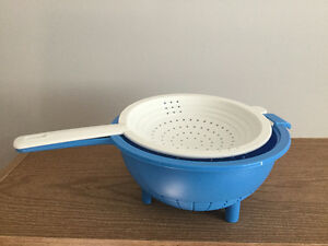 Tupperware Double Colander