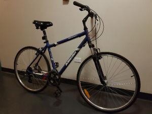 Vélo Miele Toscana 200 hybride aluminum bike. Comme neuf.