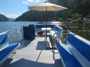 29 ft Fibreglass Pontoon Boat