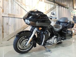 2011 Harley-Davidson FLTRU - Road Glide Ultra Peterborough Peterborough Area image 7
